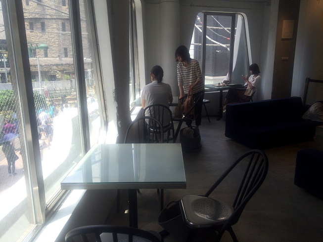 2階のカフェスペース