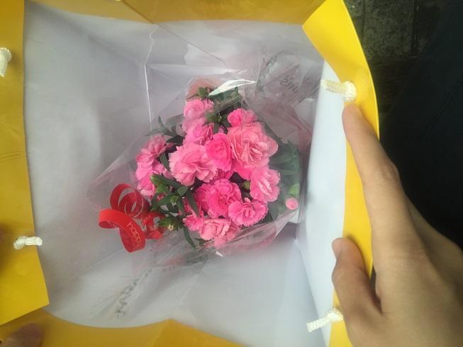 久しぶりに花をプレゼントしてみよう!!