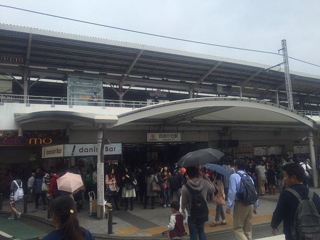 自由が丘駅前(女神祭り2015当日)