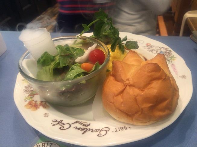 サラダプレート・ハンバーグオムライス