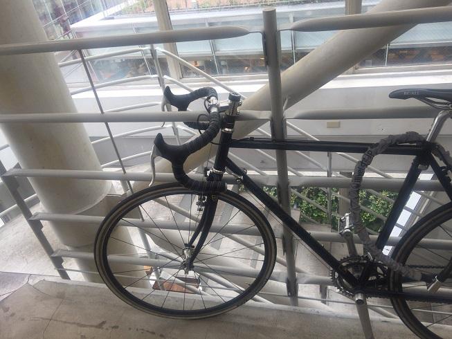 3F入り口前に展示してある自転車