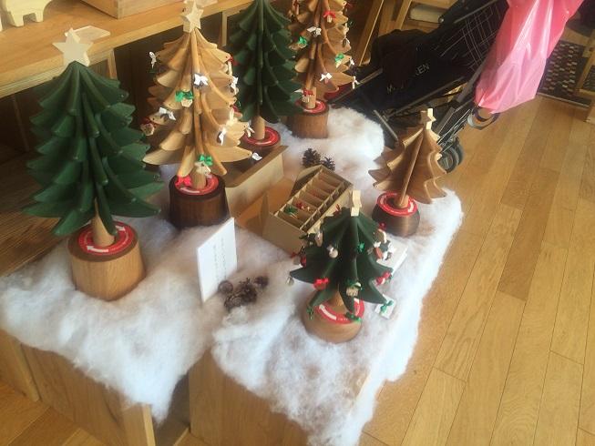 木製のクリスマスツリー