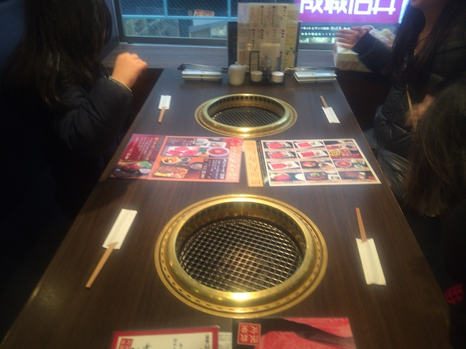 広めの6人テーブル