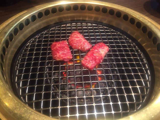 肉を焼く!!