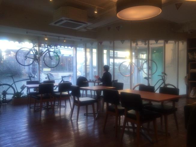ビアンキカフェ自由が丘店内
