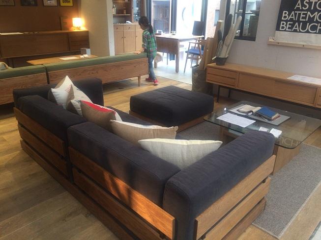 リードミーホームの家具