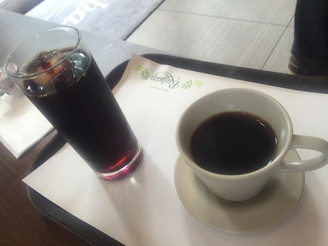 ホットコーヒーとアイスコーヒー