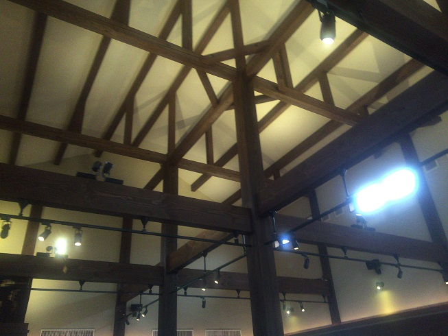 天井までの高さが異常