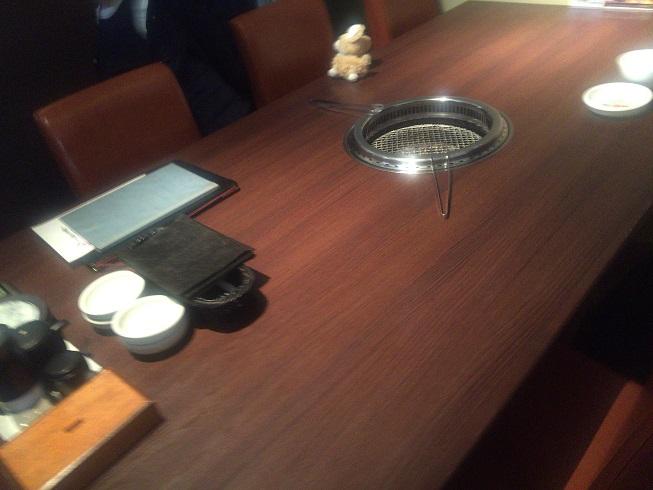 広い6人掛けテーブル