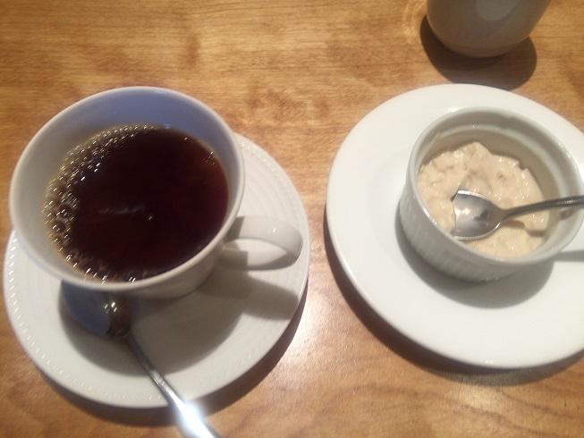 コーヒーとデザートのババロア