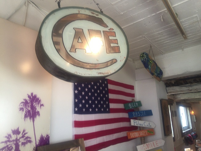 カリフォルニアっぽい雰囲気のパームスカフェ