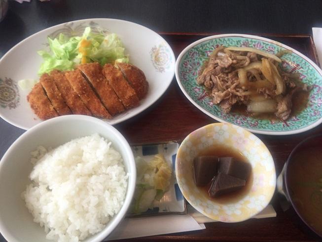 とんかつ+牛肉と玉ねぎの炒め物