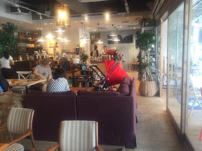 メロウブラウンコーヒー店内