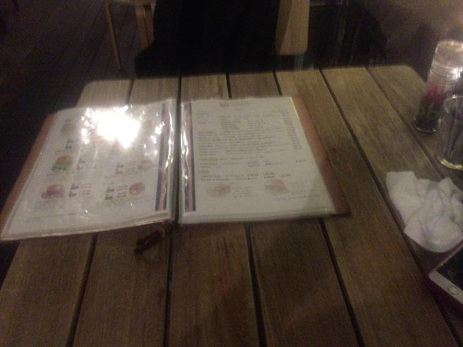 テーブルとメニュー