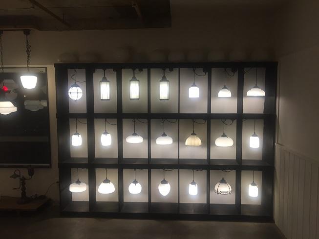 21個の照明から放たれる光が幻想的