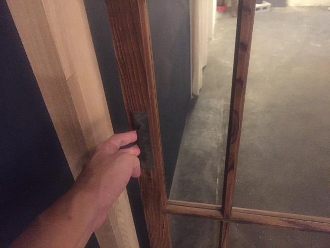 半自動のガラス扉