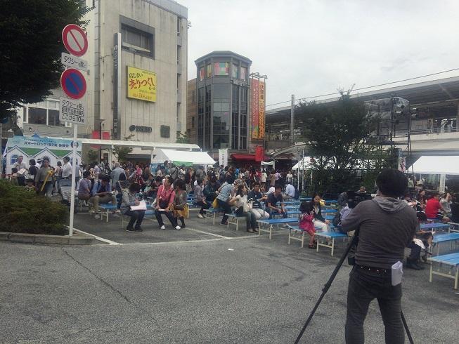 メインステージ前広場