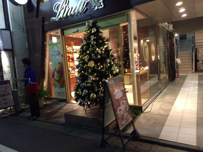 リンツ前のクリスマスツリー