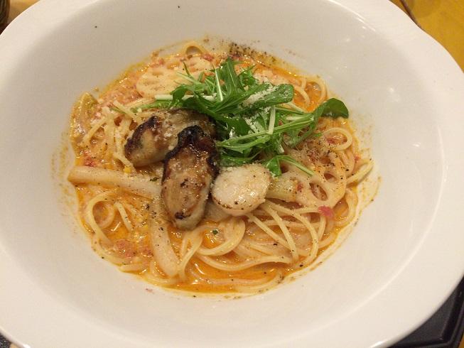 広島さん牡蠣と帆立と冬野菜のトマトクリームスープ
