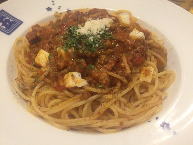 ナスとモッツァレラチーズのミートソーススパゲティ