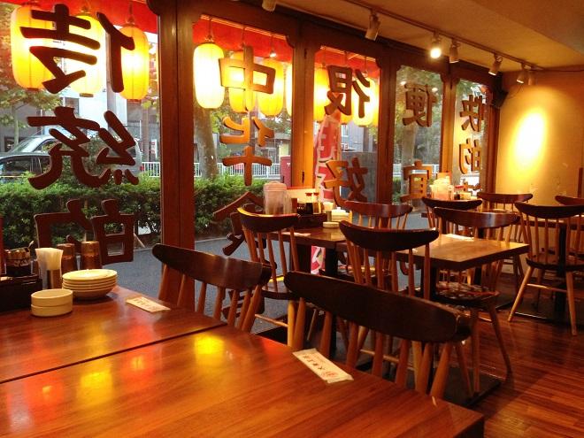 よくある中華料理店の店内画像