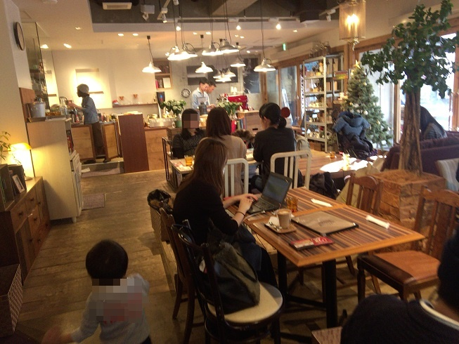 メロウブラウンコーヒーの店内
