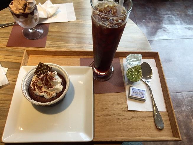 アイスコーヒーとフォンダンショコラ