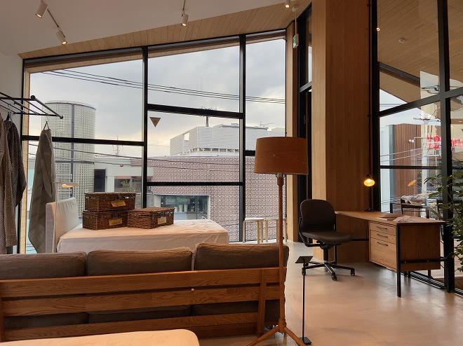 【3F】家のような雰囲気のリニューアルしたモモナチュラル自由が丘店3階