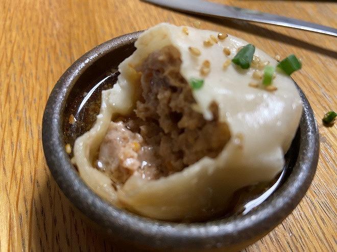 肉汁たっぷりの大山生焙煎の焼き小籠包