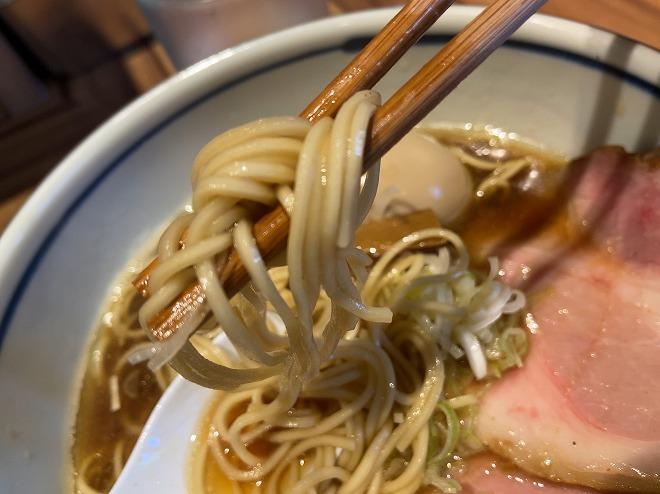 堀川の麺は細すぎない中麺を使用